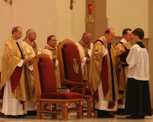 Bishop Thomas J. Olmsted celebrates the opening liturgy Feb. 7 at St. Thomas the Apostle for members worldwide who gathered for the annual Legatus Summit. (Ambria Hammel/CATHOLIC SUN)